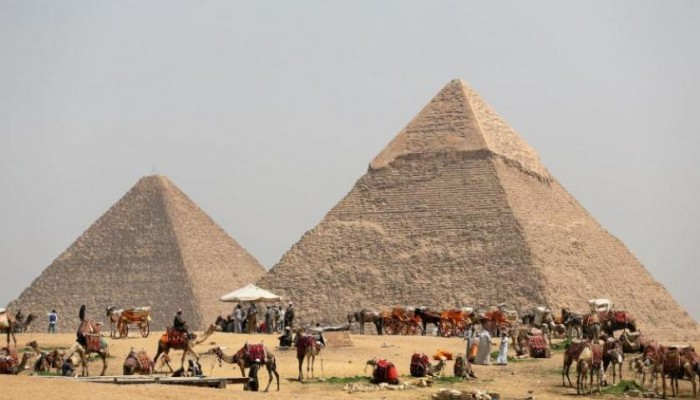 ماسك يتراجع ومصر ترد على مزاعمه حول الأهرامات.. ما القصة؟