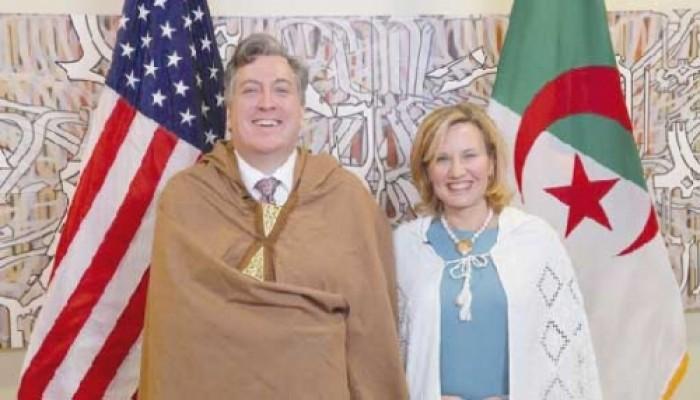 رغم كورونا.. زوجة السفير الأمريكي تعرب عن سعادتها بالعودة للجزائر