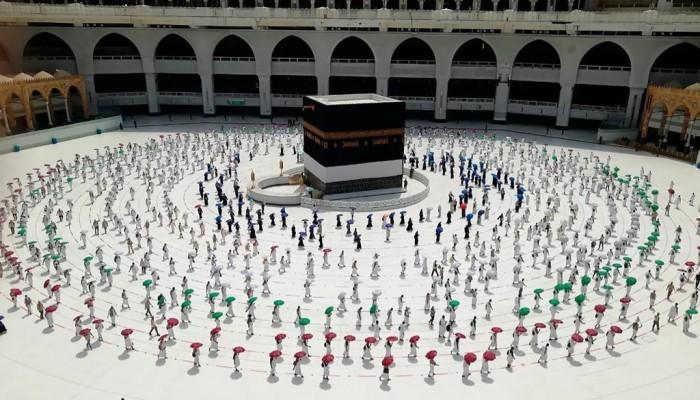 """المناسك المحدودة في مكة تبشر بـ""""حج أخضر"""" في المستقبل"""