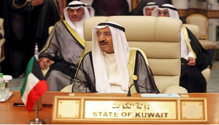رئيس الوزراء الكويتي: صحة أمير البلاد تشهد تحسنا ملحوظا