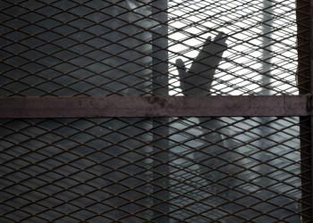 رسائل مسربة من سجون إيران تكشف عن انتشار واسع لكورونا