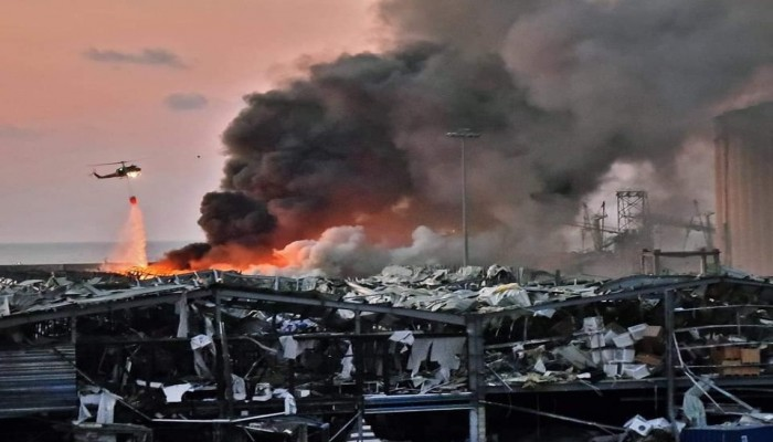 انفجار بيروت.. أكثر من 100 قتيل و4 آلاف مصاب والمزيد مازال تحت الأنقاض