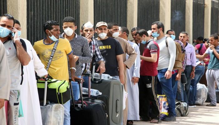 توقف الطيران بين البلدين ينهي عقود آلاف المصريين في الكويت