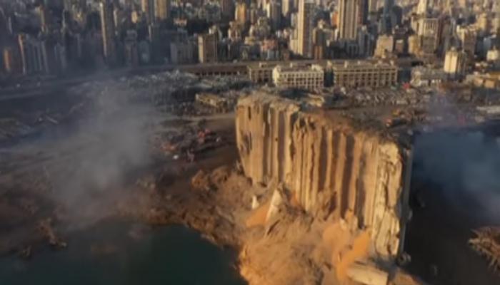 لقطات جوية تكشف تدمير انفجار الثلاثاء لمرفأ بيروت بالكامل