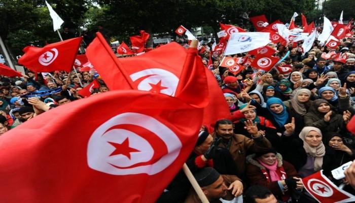 التحول الديمقراطي في تونس يواجه مخاطر وجودية