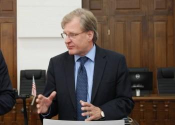 سفير واشنطن يبحث مع مسؤولي الوفاق وقف إطلاق النار بليبيا