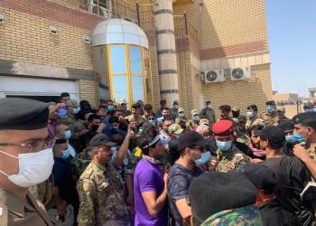 متظاهرون عراقيون يقتحمون مبنى محافظة ذي قار