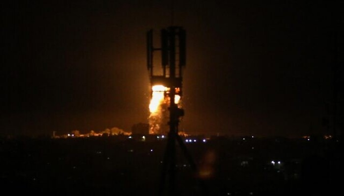 طائرة إسرائيلية تشن غارة على موقع تابع لحركة حماسبغزة