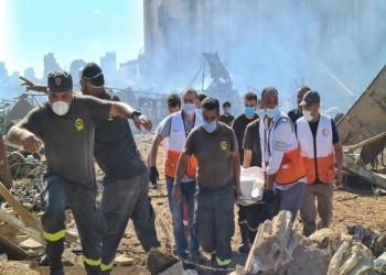 فلسطينيون يساهمون في إنقاذ منكوبي ومصابي مرفأ بيروت (صور)