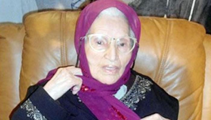 وفاة أيقونة المسرح الجزائري نورية قزدرلي