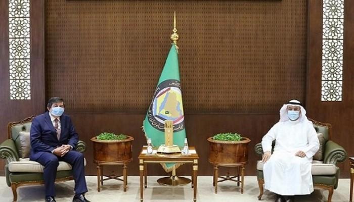 الحجرف يبلغ السفير التركي لدى السعودية استنكاره التصريحات ضد الإمارات