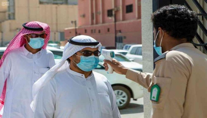 على أساس يومي.. إصابات كورونا بالسعودية تقفز 21%