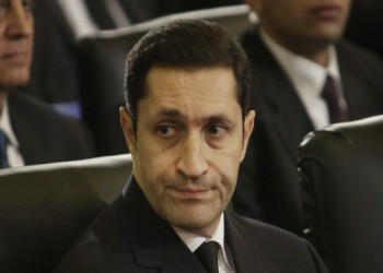 نجل مبارك يسخر من مسؤول خليجي بمقطع من مسرحية