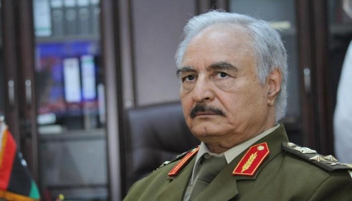 رغم عدم تخرجهما في أي كلية عسكرية.. حفتر يمنح نجليه رتبة عقيد