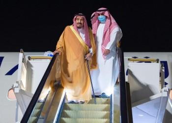 بعد الوعكة.. الملك سلمان يغادر الرياض للاستجمام في نيوم (فيديو)