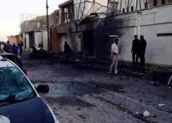 حرق مبنى سفارة الإمارات المغلق في طرابلس رفضا للتطبيع (صور)