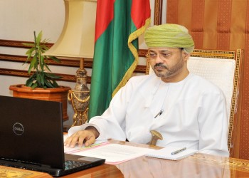 غداة تعيينه.. وزير خارجية عمان يتلقى اتصالا من نظيره المصري