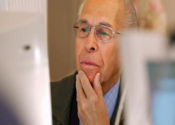 كبار السن متهمون بنشر الأخبار الزائفة على الإنترنت