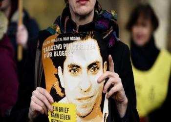 زوجة رائف بدوي تكشف عن محاولة اغتياله داخل محبسه بالسعودية