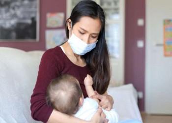 دراسة أمريكية: كورونا لا ينتقل عبر لبن الأم إلى رضيعها