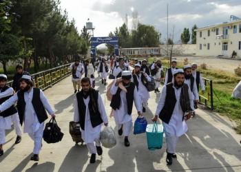 أفغانستان تنقل إلى قطر 7 سجناء تريد طالبان الإفراج عنهم