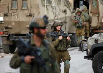 إسرائيل تعتقل عشرات الفلسطينيين بينهم قيادات في حماس