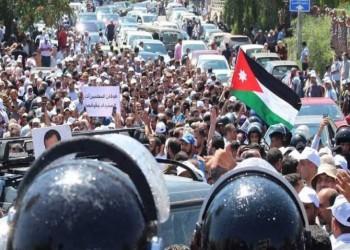 مليارات وهمية… هل يبيع الأردني «البلاطة»؟