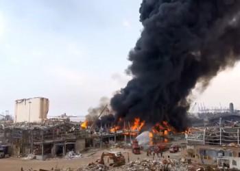 حريق ضخم بمرفأ بيروت وعون يدعو مجلس الدفاع للانعقاد