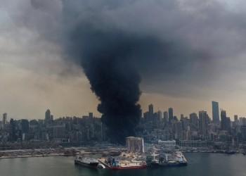 سحب دخانية في مرفأ بيروت.. ومسؤول لبناني: بقايا الحريق السابق