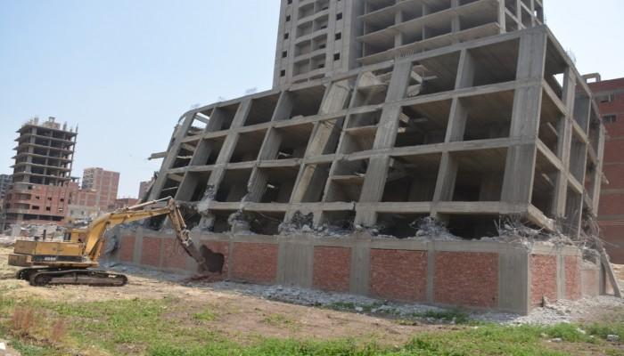 لتورطهم في تمرير مخالفات بناء.. إحالة 522 مسؤولا مصريا للنيابة