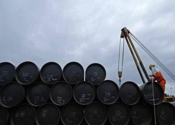 تراجع أسعار النفط وسط مخاوف تعثر انتعاش الاقتصاد العالمي