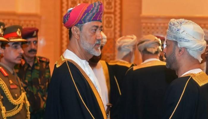 أول لقاء مباشر بالمواطنين.. سلطان عمان يلتقي بشيوخ ولايات محافظة ظفار