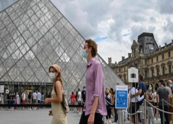 فرنسا تسجل أعلى إصابات يومية بفيروس كورونا