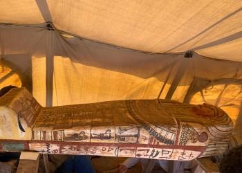 الكشف عن 14 تابوتا مغلقا قرب أهرامات الجيزة بمصر