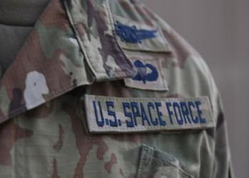 في أول انتشار أجنبي.. سرب من قوة الفضاء الأمريكية يتمركز بقاعدة العديد