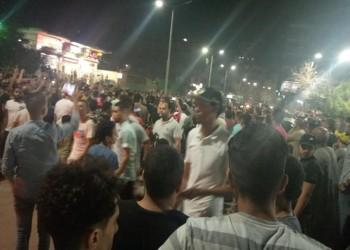 """""""الثورة بدأت"""".. مظاهرات مستمرة بمصر للمطالبة برحيل السيسي"""