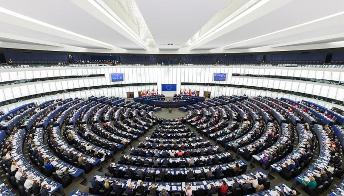 لماذا لا تضغط واشنطن لحظر السلاح عن أنظمة الخليج القمعية مثل أوروبا؟