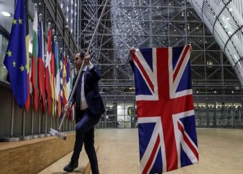 الاتحاد الأوروبي يطلب من بريطانيا وقف الألاعيب بشأن بريكست