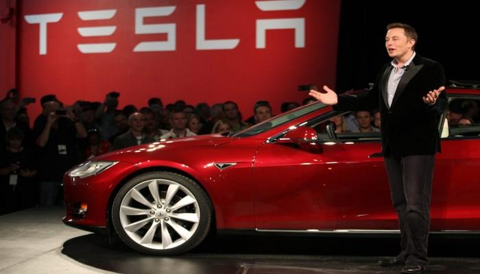 إيلون ماسك يعتزم طرح سيارة ذاتية القيادة مقابل 25 ألف دولار