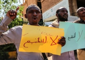 لماذا يعد تطبيع السودان مختلفا عن الإمارات والبحرين؟ باحث أمريكي يجيب