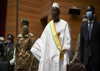 رئيس مالي الانتقالي يؤدي اليمين وعقوبات إيكواس مستمرة