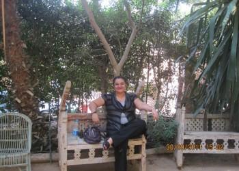 كاتبة إماراتية تؤكد منعها من السفر بسبب رفضها للتطبيع.. وتتوقع اعتقالها أو قتلها