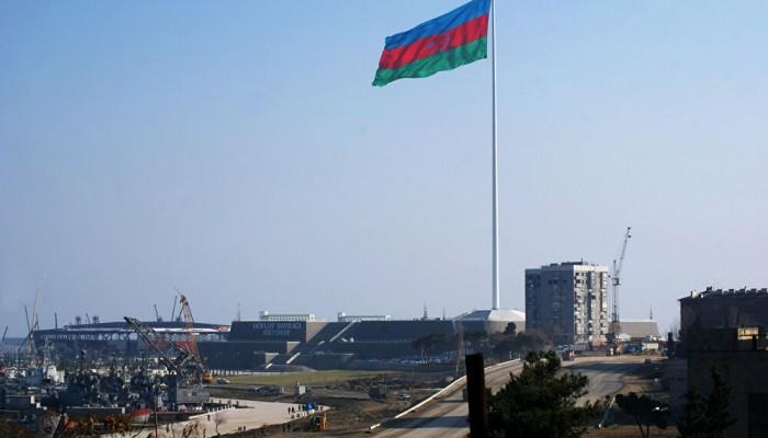 البرلمان الأذربيجاني يعلن حالة الحرب بعد اشتباكات حدودية مع أرمينيا
