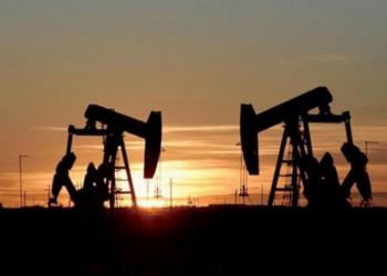 تصاعد إصابات كورونا يهبط بأسعار النفط لأدنى مستوى في أسبوعين
