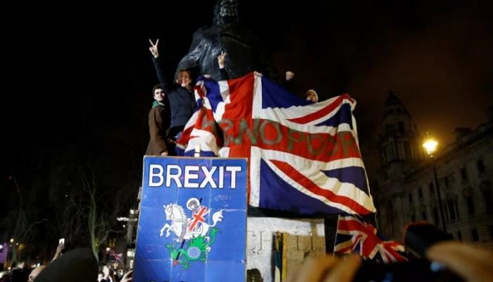 النواب البريطانيون يقرون مشروع قانون بريكست رغم تحذيرات بروكسل