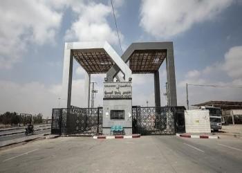 مصر ترفض دخول فلسطينيين عالقين.. والجزائر تعاقبها