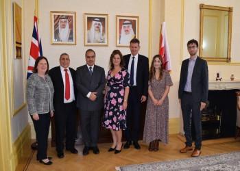 سفير البحرين لدى بريطانيا يستقبل العوائل اليهودية في لندن