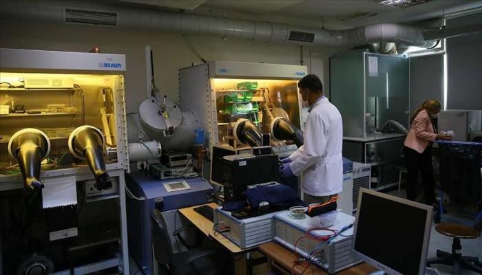 علماء أتراك ينجحون في إنتاج النقطة الكمومية الذهبية لزيادة كفاءة الخلايا الشمسية