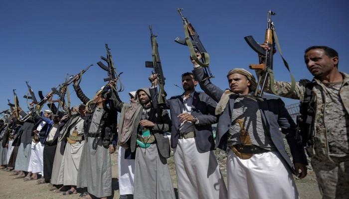 الحوثي تطلق سراح رهينتين أمريكيتين مقابل 200 عنصر للجماعة