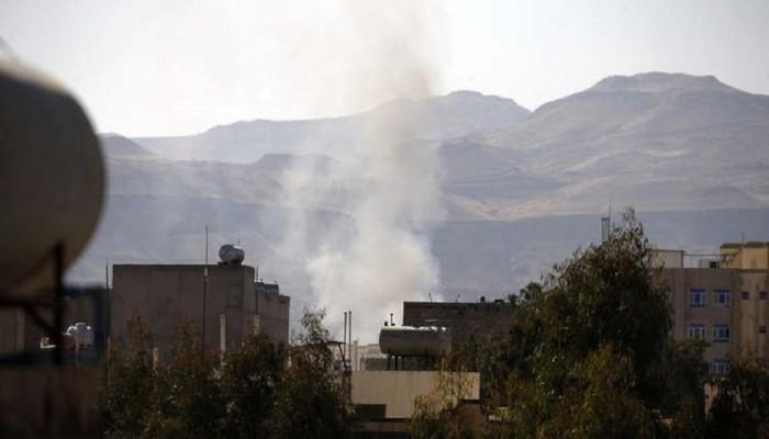أسير يمني على قناة سعودية: طيران التحالف قصفنا (فيديو)